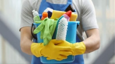 Imagine man with cleaning supplies
