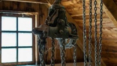spider web vs. cobweb, spiderwebs, cobwebs on on old chains