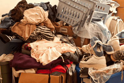 Hoarding Jobs, Messy Home